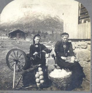 NORWAY NORGE SPINNING WHEEL WOOL WOMEN VINTAGE STEREOVIEW CARD