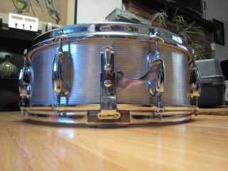 Aluminum Snare Drum Chrome Vintage 1960s 8 Lug Brass Rims Case