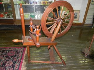Antique Primitive Maple Spinning Wheel Treadle 21 Wheel