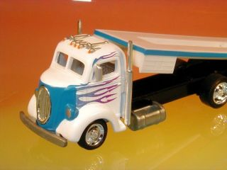 Hot Wheels 30s Ford Custom Car Hauler Transport Truck Le 1 64 Scale