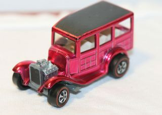1969 Hot Wheels Red Line Vintage Classic 31 Ford Woody USA Pink