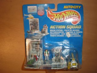 1995 Mattel Hot Wheels Auto City Action Squad Rescue Station 15115
