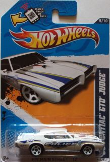 2012 Hot Wheels 69 Pontiac GTO Judge Col 104 White Version