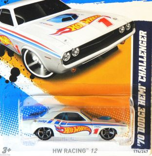 Hot Hot Wheels 2012 HW Racing 70 Dodge Hemi Challenger White K Case