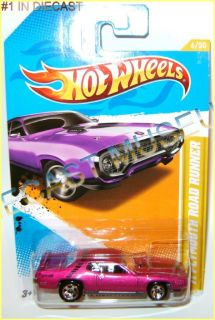 1971 71 Plymouth Road Runner Hot Wheels HW Diecast 2011