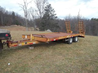 1996 Reid 10 ton tandem wheels Lowboy Trailer with spring loaded ramps