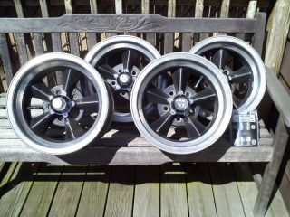 1960S PRE OCTOBER 1970 TORQ THRUST D STYLE ALUMINUM WHEELS FORD