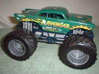 Truck Diecast Metal Plastic Avenger Hot Wheels Monster Jam