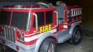 POWER WHEELS Safety First 1st 12v battery operated ride on Fire truck