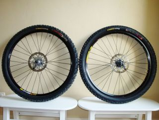 Shimano Deore XT Mavic Disc Wheels 26 Mountain Bike Wheelset w Tires