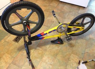 20 BMX Race Bike Lightweight Aluminum Thug Mag Rims EXTRAS