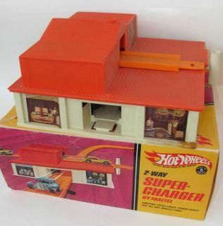1968 VINTAGE MATTEL HOT WHEELS REDLINE SUPER CHARGER IN ORIGINAL BOX