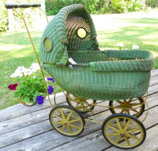ANTIQUE GREEN WICKER BABY DOLL BUGGY CARRIAGE W HOOD METAL WHEELS