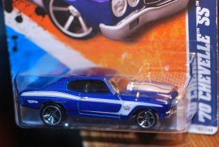 2011 Hot Wheels 1970 Chevy Chevelle SS Blue Big Block 454 V8 Engine